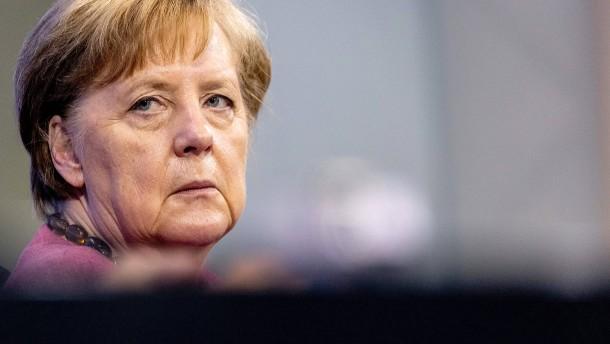 """""""Diktatursozialisiert""""? Merkel widerspricht Wanderwitz"""