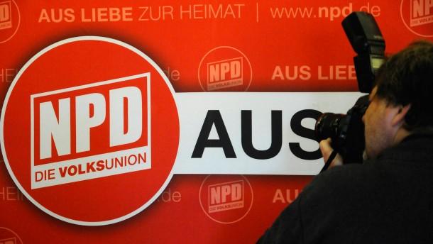 Piratenvorsitzender Schloemer wirbt fuer NPD-Verbot