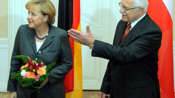 Mit Sarkozy und Merkel zurück zum alten Sozialismus