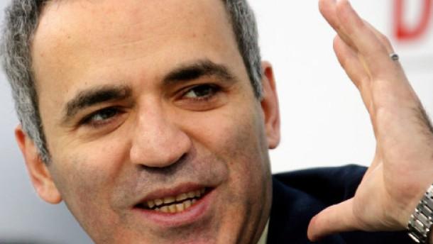 Polizei hindert Kasparow an Demonstration in Samara