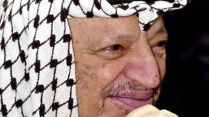 Arafat räumt Fehler ein und kündigt Neuwahlen an