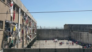 Häftlinge enthaupten Rivalen