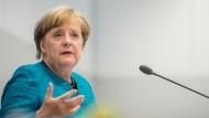 Elie-Wiesel-Auszeichnung an Merkel verliehen
