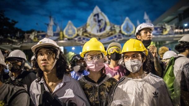 Thailands Regierung hebt Ausnahmezustand auf