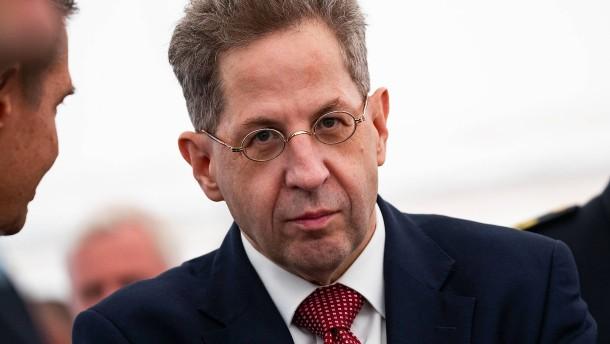 """SPD weist Maaßens Vorwurf als """"irre"""" zurück"""