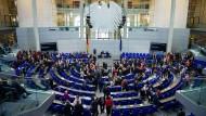 Größerer Bundestag: Das Parlament wächst und wächst