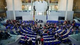 Das Parlament wächst und wächst