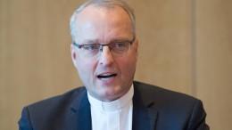 Sächsische Kirchenleitung nimmt Rücktritt von Rentzing an