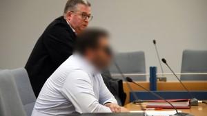 Heimleiter erhält Bewährungsstrafe für Misshandlung von Flüchtlingen