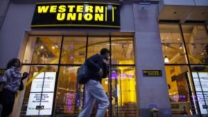 Migranten überweisen 17,7 Milliarden aus Deutschland