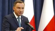 Polens Präsident Andrzej Duda stellt sich gegen die umstrittene Justizreform der nationalkonservativen polnischen Regierung.