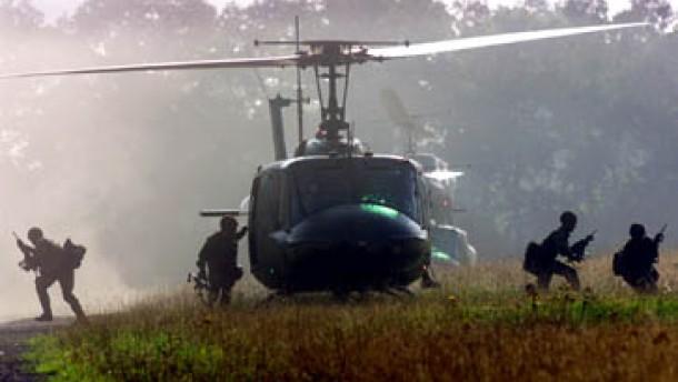 Grüne wollen Wehrpflicht abschaffen