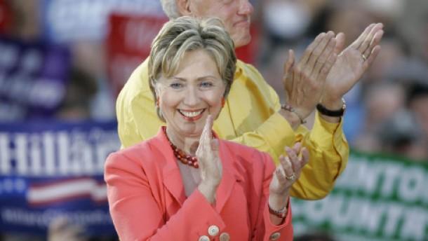 Ein Cocktail mit Hillary Clinton für tausend Dollar
