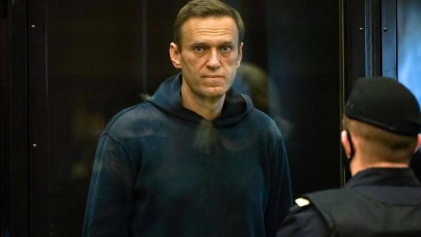 Nawalnyj muss für mehr als zwei Jahre ins Gefängnis