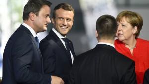 Macrons fester Händedruck mit Trump geschah mit Absicht