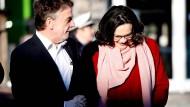 """An Nahles' Seite: Einst versprach Michael Groschek für die SPD einen """"Neuanfang, der sich gewaschen hat""""."""