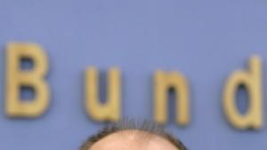 Steinbrück stellt ausgeglichenen Haushalt 2011 in Frage
