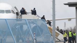 Zahl der Abschiebungen und freiwilligen Ausreisen sinkt