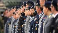 Bei ihnen wurde nichts gefunden: Soldaten des jüngst aufgestellten Kommandos Cyber- und Informationsraum bei einem Dienstappell in Bonn