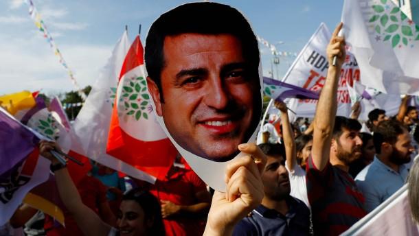 Europäisches Gericht: Türkei soll Oppositionspolitiker freilassen
