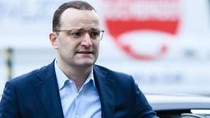 Spahn widerspricht Merz' Äußerungen zur AfD