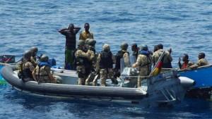 Deutsche Marine überstellt somalische Piraten