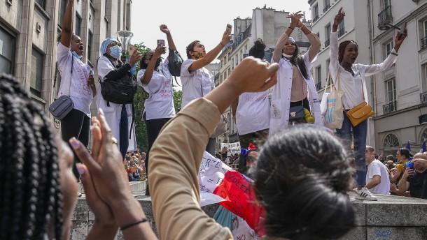 Frankreichs neue Corona-Regeln gegen die vierte Welle