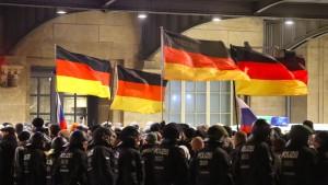 Kritik am Verbot der Legida-Demo