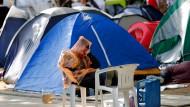 Die Polizei hat ihre Rollkommandos nicht auf das Zeltlager angesetzt
