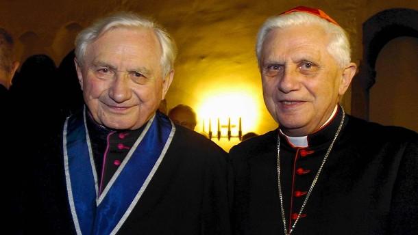 Benedikt XVI. besucht Bruder in Deutschland