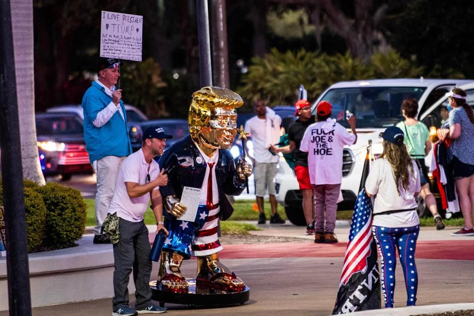Personenkult: Trump-Verehrer in Orlando., Florida