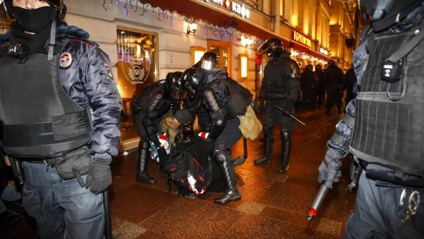 Gegenüber dem Kreml glaubwürdig auftreten