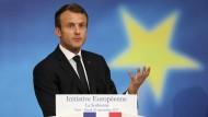 Emmanuel Macron spicht am 26. September an der Sorbonne in Paris.