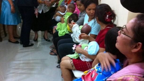 Japaner zeugt 15 Kinder mit Leihmüttern