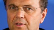 Innenminister Hans-Peter Friedrich: Massenschicksale können nicht entschädigt werden