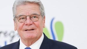 """Gauck für """"erweiterte Toleranz in Richtung rechts"""""""