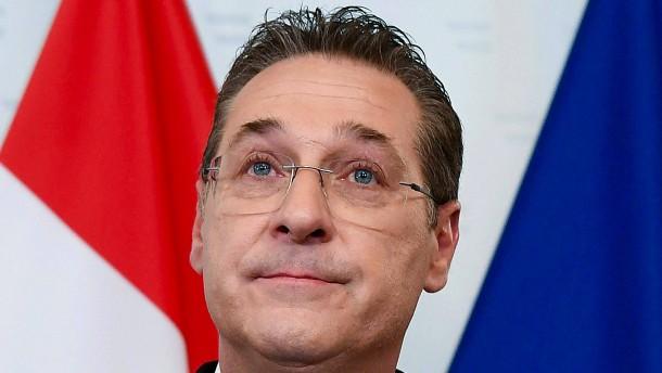 Razzia beim ehemaligen FPÖ-Vorsitzenden Strache
