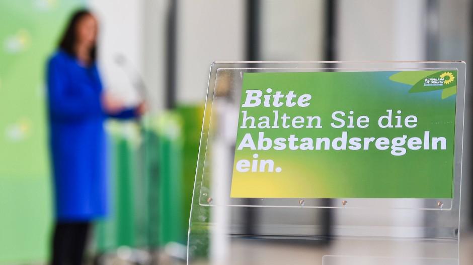 Corona ist immer mit dabei: Katrin Göring-Eckardt, Grünen-Fraktionsvorsitzende, Anfang März bei einer digitalen Fraktionssitzung in Berlin