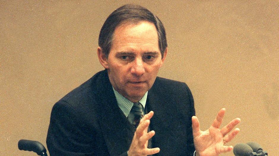 Wolfgang Schäuble am 20. Juni 1991 während seiner Rede im Bonner Bundestag