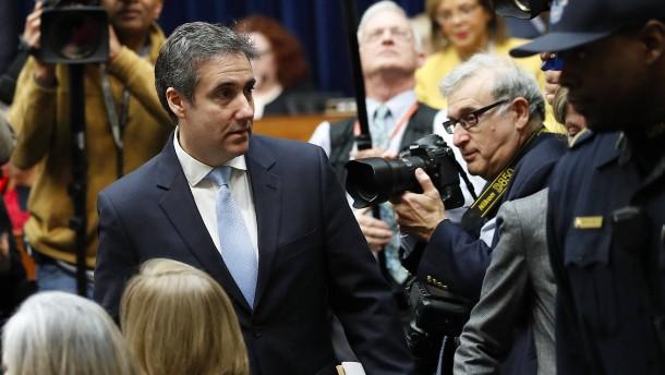 Cohen-Anhörung beginnt turbulent