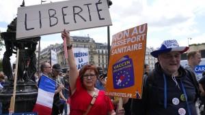 Neue Großdemonstrationen gegen Corona-Regeln in Frankreich