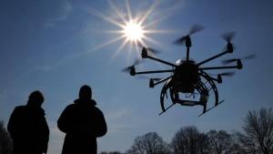 Regierung plant Führerschein und Kennzeichenpflicht für Drohnen