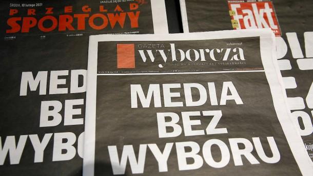 Die Regierung greift die Medien an