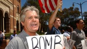 Senat gibt Bush freie Hand für Militärschlag