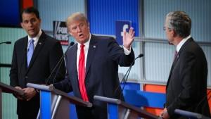 "Trump wettert gegen die ""dummen Politiker"""