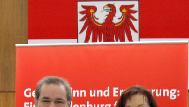 Rot-Rot unter scharfer Kontrolle der Bundespartei