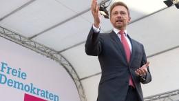 Union und SPD verlieren, FDP auf Platz Drei