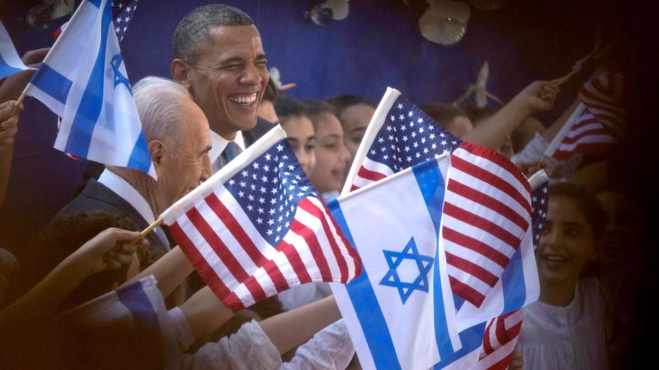 Herzlicher Empfang: der amerikanische Präsident Barack Obama und Israels Präsident Schimon Peres