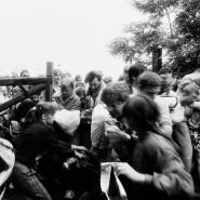 """Während einer kurzzeitigen Grenzöffnung für das """"Paneuropäische Picknick"""" flohen am 19. August 1989 hunderte DDR-Bürger von Ungarn nach Österreich"""