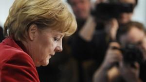 Merkel gerät immer mehr unter Druck